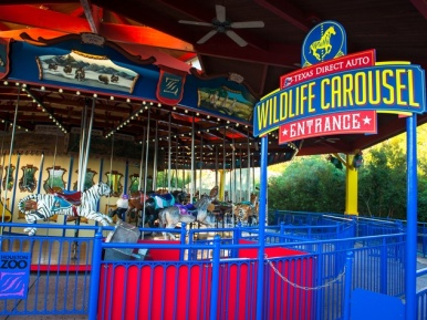 Houston-Zoo-Wildlife-Carousel-October-2014_104946