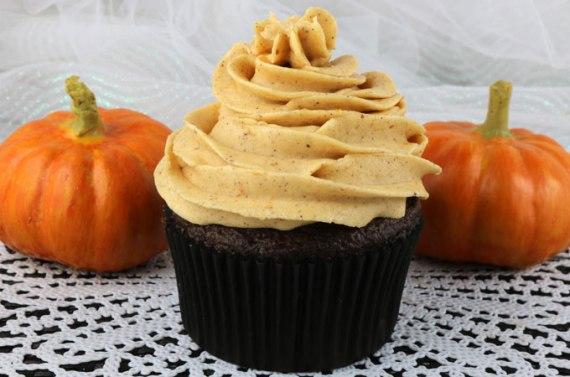 pumpkin-spice-buttercream-frosting-main