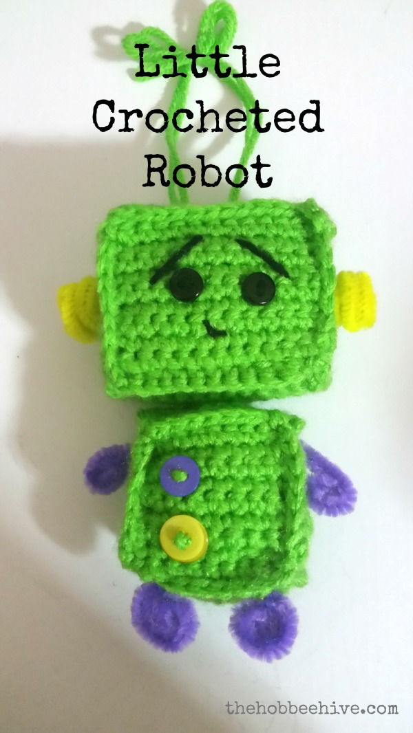 crocheted-robot-complete2