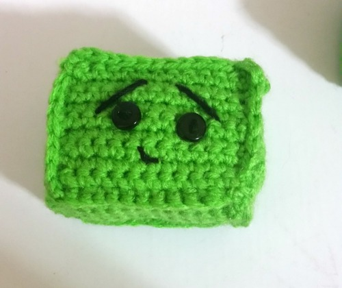 crocheted-robot-head