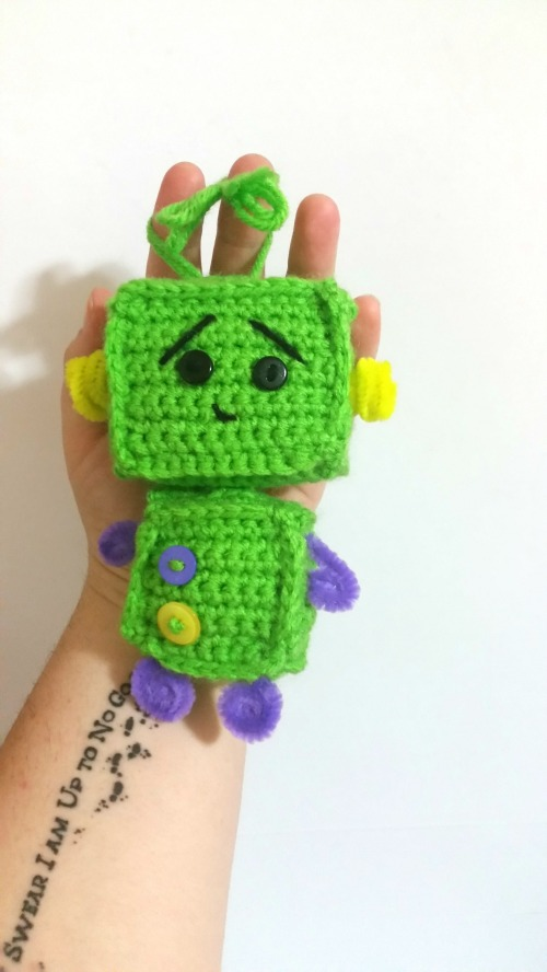 little-crocheted-robot3