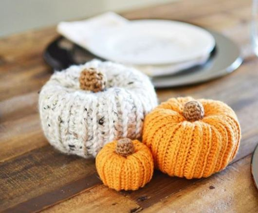 yarn-pumpkins
